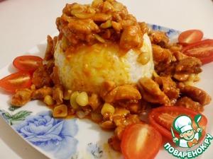 Гарнировать лучше рисом. Я вот такой куличик рисовый слепила и курицей с соусом полила... ммм.. Вкуснятина!...