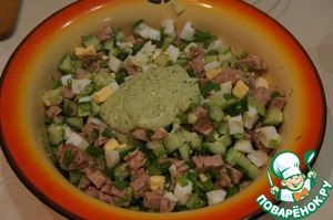 If the salad seems dry, you can fill it with small amount of mayonnaise. I have a dressing of sour cream, whipped with fresh herbs and green onions + French mustard and a little soy sauce.