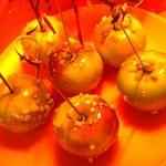 Глазированные яблоки с орешками