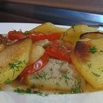 Треска с картофелем и луком