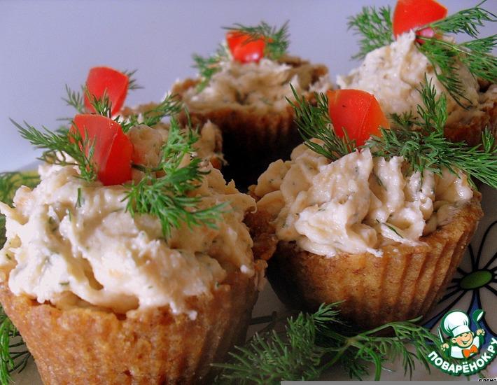 Рецепт: Закусочные тарталетки с сeмгой и сыром