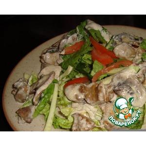 Теплый салат с печенью и шампиньонами