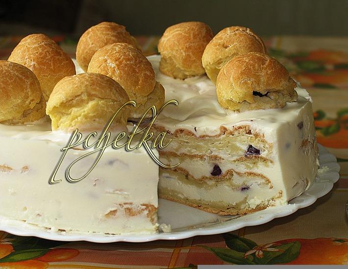 Рецепт: Сливочно-вишнeвый торт со вкусом эклеров