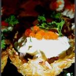 Картофельные корзиночки с рыбно-икорной начинкой