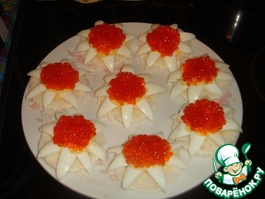 Flowers with red caviar