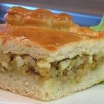 Пирог печеный из дрожжевого теста с начинкой из рыбы