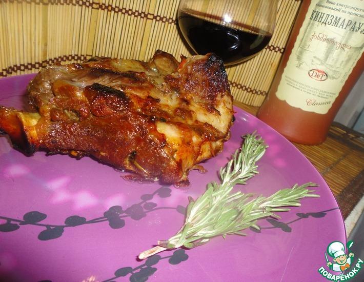 Рецепт: Баранье бедро, запеченное в духовке