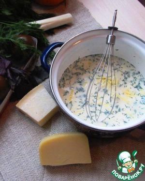Яйца взбиваем с молоком, сливками Parmalat, тертым сыром. Слегка присаливаем и добавляем щепотку черного перца. Я еще добавила немного укропа.
