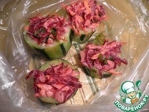 После того как цуккини заморозились, их можно аккуратно сложить в пакеты или оставить в посуде - это уже как вы захотите.