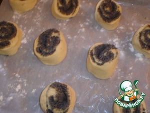 Spread on a baking sheet with paper, greased with vegetable oil. The distance should be large.  Put in a COLD oven. Turn on the oven at 170*C.  Allow to bake for 25 minutes (first tried this method of baking will tell you, I loved it!)