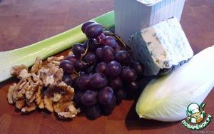 Лодочки из витлуфа с голубым сыром – кулинарный рецепт
