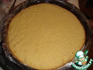 Then put the sponge cake.