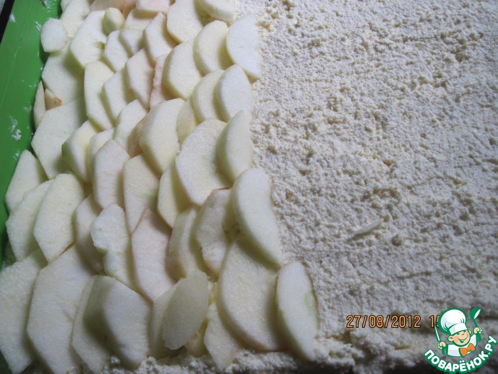 Творожно-яблочная запеканка с карамельным кремом
