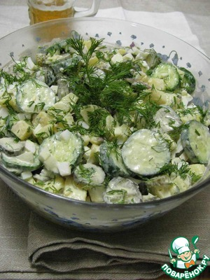 8. Salad to sauce and decorate with proteins and greens.
