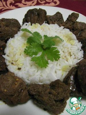 5. По истечении времени мясо должно получится сочным и мягким, а на дне должно остаться немного жидкости.   Подавать карри с рисом или вареным картофелем.