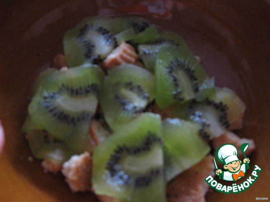 Мороженое в фруктах под безе