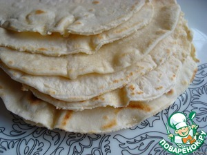 PS Tortillas tortillas you can cook by yourself. I cook this recipe: http://www.povarenok .ru/recipes/show/647 21/  They can prepare and freeze for future use.