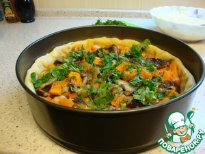 In a baking dish with dried crust spread the pumpkin with mushrooms. Sprinkle with herbs