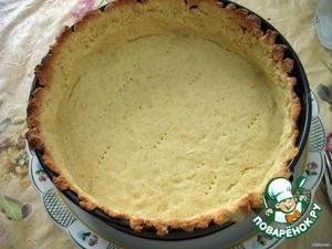 6. Снять бумагу и фасоль (горох) и готовить еще 5 минут. Вынуть из духовки и охладить.