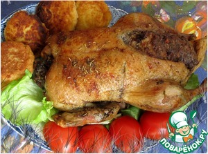 If you feel that the skin is crispy enough, before the end of roasting raise again the temperature in the oven to 220*C.  Turn off the oven, but the duck take out after 10-15 minutes.  Optionally decorate.  While preparing the duck did on the side, potato croquettes, fresh vegetables and herbs.