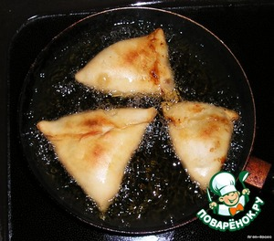 """Индийские пирожки """"Самоса"""" – кулинарный рецепт"""
