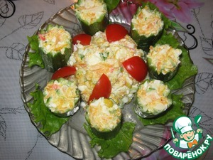 Since I was little cucumbers, but the salad turned out much, the dish can be decorated.
