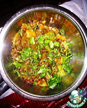 The dish turns out medium consistency, not runny or dry.  Chop the greens and on the table!  Delicious! Do mildly-spicy!