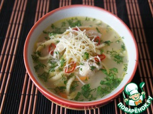 When serving the dish pour the soup, sprinkle with finely chopped greens and garnish with rings of hot peppers on top and add a pinch of grated on a fine grater cheese.