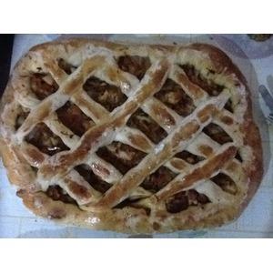 Пирог с квашеной капустой и ветчиной