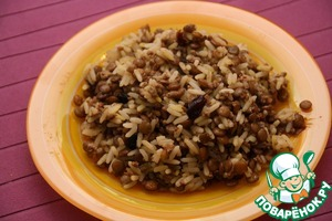 Serve hot as a side dish or as a separate dish.   This pilaf is ideal for subsequent freezing. Cool it and place portioned in bags (I have special packages for freezing).