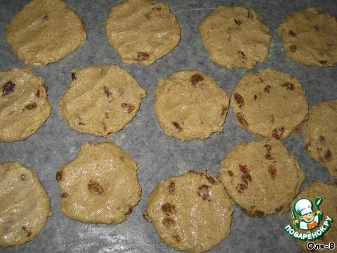 Овсяно-медовое печенье с изюмом