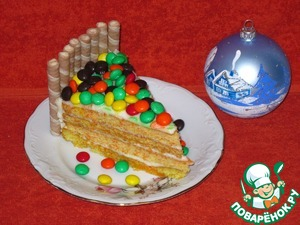 Cut the cake into pieces and present the most close and dear people. Bon appetit! Happy New year!