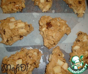 Each piece spread with a spatula on a baking sheet. And bake in a preheated oven (200 gr.) 15 minutes.