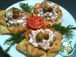 Fill the tartlets with salad.  Bon appetit!