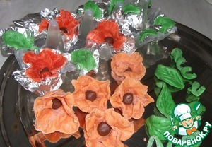 About a week need to prepare the fondant flowers and leaves, I tried to make poppies.