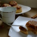 Яблочные пирожные с карамельным муссом