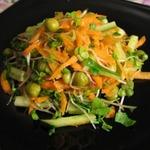 Салатик с ростками редиса