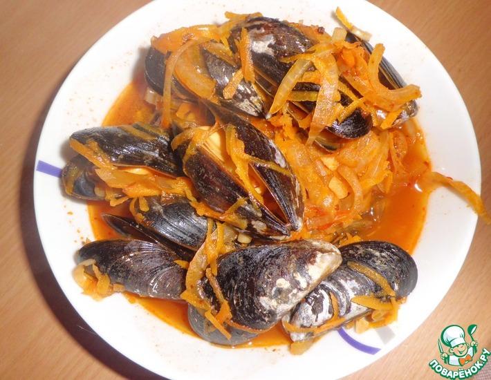 Рецепт: Мидии в томатно-винном соусе