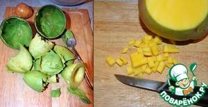 Авокадо режем, вынув предварительно косточку и всю мякоть ложечкой, манго очищаем и режем