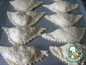 Треугольники с плавленным сыром – кулинарный рецепт