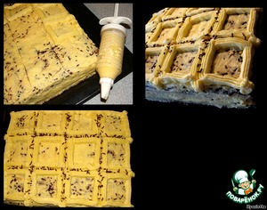 Now confectionery syringe draw squares across the surface of the cake.  Put the cake in the fridge, and do make milk jelly to fill the squares.