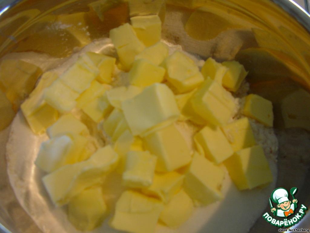 Традиционное голландское печенье с марципаном