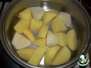 Take 2-3 potatoes and boil until tender.