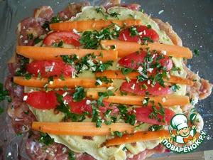 Выложить блинчик, на него - очищенные от кожицы помидоры, морковь, присыпать зеленью,    и накрываем еще одним блинчиком.