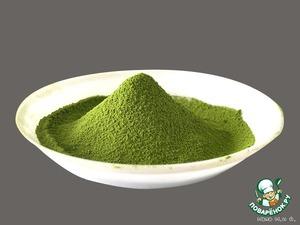 Внутри – мелкая чайная пудра интенсивного сочного зеленого цвета, ее используют для приготовления многих кулинарных блюд и для чайной церемонии.