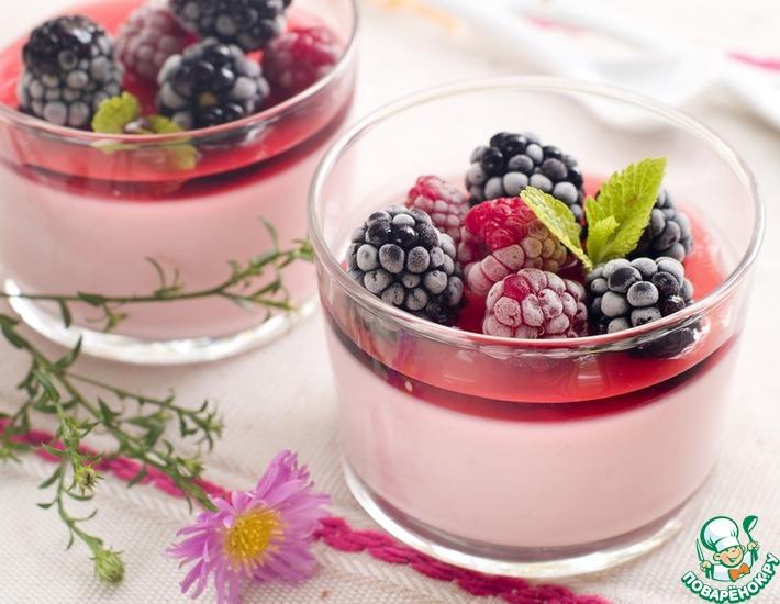 Рецепт: Паннакотта с ягодным желе