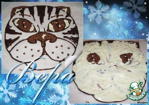Но я решила оформить торт шокол. аппликацией.   Растопить шоколад (черный, молочный и белый) на водяной бане.   На пергаменте нарисовать простым карандашом задуманную картинку,    в данном случае я нарисовала мордочку тигра.   Переложить шоколад в кондитерские мешочки.(Я сворачиваю кульки из пергамента).   Сначала обвести контур (черным шоколадом) и выполнить все детали рисунка, которые должны быть сверху.   Блики глаза - белым шоколадом, брови - молочным, убрать на несколько минут в холодильник, чтобы шоколад схватился.   Затем закрашиваем второстепенные детали: глаз, полоски, нос.   Снова убираем на несколько минут в холодильник.   После этого заполняем всю картинку белым шоколадом.   Убираем в холодильник на полчаса-час (картинка должна хорошо застыть).