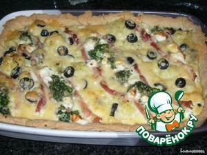Готовый пирог посыпать рубленой зеленью и подавать с салатом. Продукты даны в расчете на форму 28 см, если больше - надо увеличить количество продуктов.   ПРИЯТНОГО АППЕТИТА.