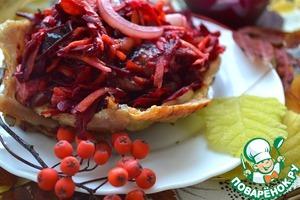 Arrange salad on a cold plate and serve! Bon appetit!
