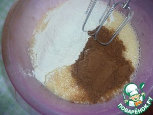 Beat eggs with sugar, add hydrated soda, flour, cocoa and whisk. I do everything with a mixer.